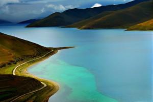 yamdrok-lake-tibet-scenery