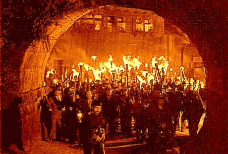 pitchforks-mob